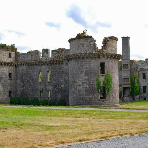 """Château de Kergournadeac'h"""" das Wappenschloss von Cléder"""